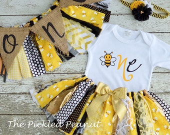 Bumble Bee 1st Birthday Girl Outfit 1st Birthday Outfit Baby Tutu Baby Girl 1st Birthday Outfit Cake Smash Girl Black Yellow ~ 3 Piece Set