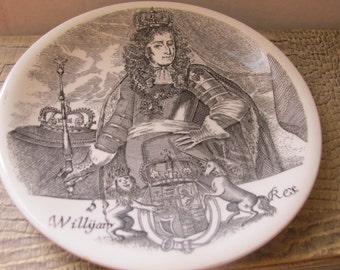 WEDGWOOD William&Mary: William III, Made in England,Commemorative Dish Plate.Smaller Size. Transferware Collectible Plate Black n Cream Dish