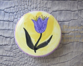 1 Single Ceramic Hand-Painted Knob for a Nightstand, Dresser, Box, Hope Chest, Other. Vintage 1990's. Ceramic Painted Flower Tulip Draw Pull