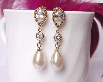 gold pearl earrings, teardrop pearl wedding earrings, bridal earrings, gold bridal jewelry, pearl drop earrings, gold wedding jewelry