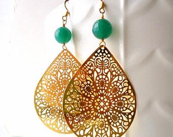 Gold earrings, Kelly green earrings, teardrop earrings, long earrings, fall 2016,  lace earrings, crystal earrings, emerald green earrings