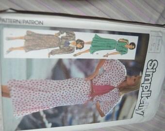Simplicity 7510  Misses Dress Sewing Pattern - UNCUT - Sizes 10 12 14
