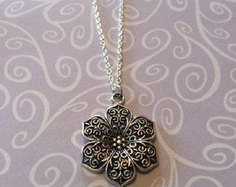 Silver Necklace - Silver Jewelry - Silver Filigree Necklace - Silver Filigree Necklace in Handmade - Filigree Necklace - Filigree Flower