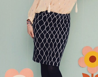 """MOONRISE MESH"" pencil skirt in black"