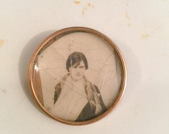 Picture Locket. Vintage jewelry, Antique Pin. Gold Fill. 1900s-1920s. Heirloom. Photograph. Heart locket. Keepsake. C Clasp. Gold Pendant LA