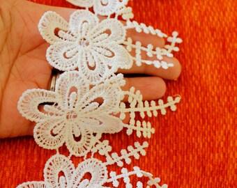 White Flower Embroidery Cotton Floral Lace Trim, Approx. 10cm - 140316L305