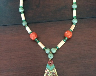 Hand Paintred Persian Necklace, Hand Painted Shell Pendant, Bead Necklace, Green Necklace, Ethnic Necklace, Colorful Shell Necklace
