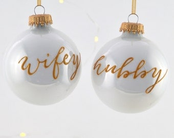 Wifey/Hubby Bauble (pearly/gold)