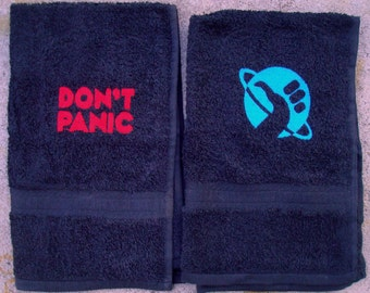 Hitchhiker's Guide to the Galaxy Don't Panic and Thumb Towel