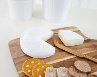 Cheese & Crackers Cheese Board Brie Camembert Felt Play Food Set, Plush Toys for Pretend Play, Tea Party, Picnic, Perfect for Play Kitchen!