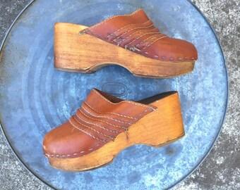 70s Leather Clogs Wood Soles Sz 6 US 36 EU