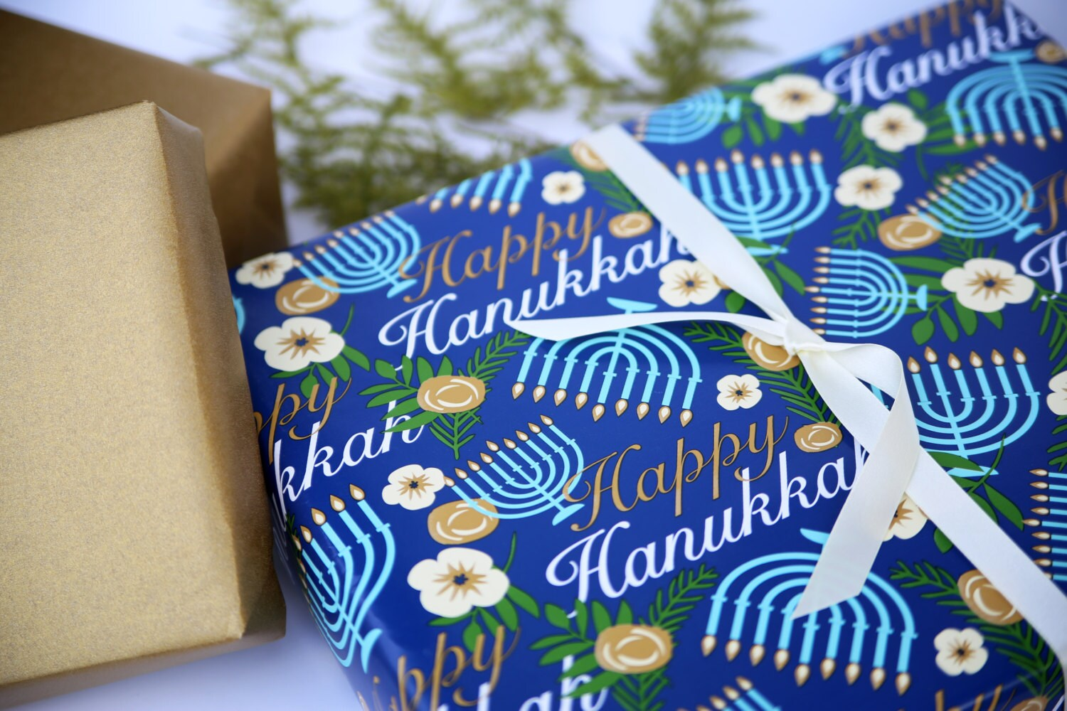hanukkah wrapping paper Don't search we've got the best prices for premium hanukkah gift wrapping paper kit with bows and tags, menorah toss and other amazing wrapping paper deals.