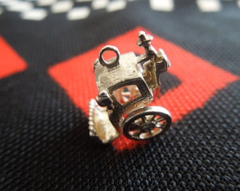 Moving Sterling London Cab Charm London Hansom Cab Carriage Charm With Moving Wheels Silver Charm for Bracelet from Charmhuntress 02692