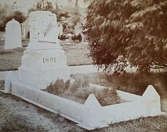 """Antique Victorian memorial photo of grave - """"Maud"""" 1891"""