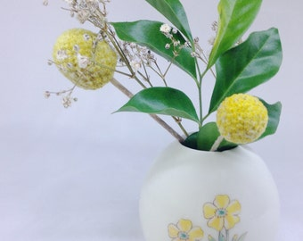 Yellow flowers ceramic vase | Wheel Thrown | Bud vase | Porcelain | Flower vase