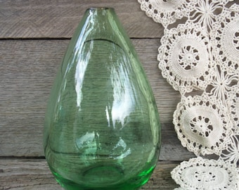 Emerald Green Hand Blown Teardrop Vase