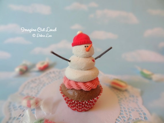Realistic Fake Cupcake PINK RED Handmade Christmas Hat Girl Snowman Faux Frosty