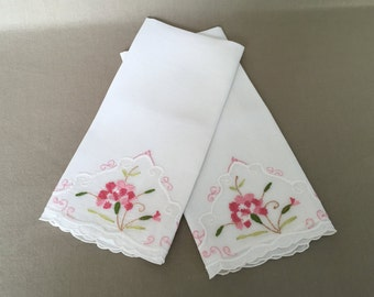 Embroidered Linen, Guest Towels, Linen Hand Towels, Fingertip Towels, Display, Housewarming Gift, Pink Floral, Tea Towels, Shabby Style Home