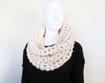 White Cowl Scarf - Crochet Scarf, Circle scarf, Chunky Scarf, Snood, Ladies Scarf