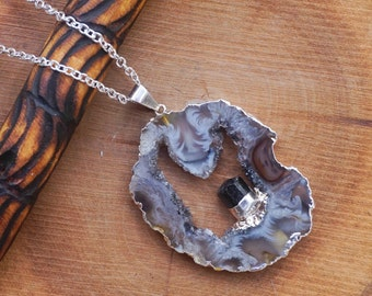 Agate and Raw Black Tourmaline Dangle Point Geode  in a Silver Tone Chain Necklace,Raw Gemstone Jewelry,Druzy Slice Agate Gemstone Necklace
