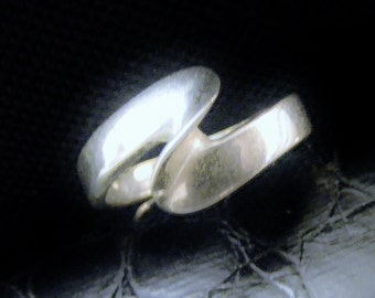 Simple yet Stylish silver Ring