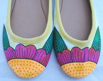 Tropical flower Shoes, hand painted shoes, handpainted pineapple shoes, au 9 EU 40 US 9, upcycled shoes, art to wear shoes, wearable art