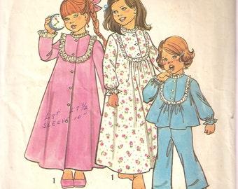 VINTAGE Simplicity Sewing Pattern 6687 - Children's Sleepwear - Child's Robe, Nightgown & Pajamas, Size 2