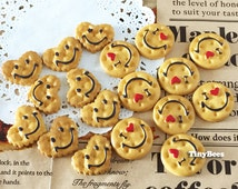 Smiley Cookies Cabochon Set - Heart & Round (6 pcs) Dollhouse Miniatures Sweets Deco Resin Cabochons A0275