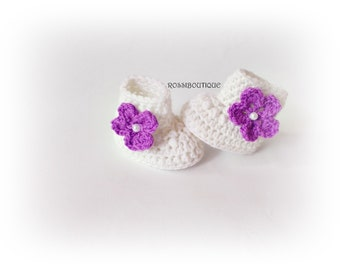 Crochet baby booties, White baby boots, Knitted baby booties, Baby shoes, Baby girl shoes, Crib shoes , Newborn baby shoes