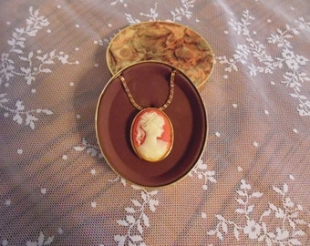 Antique Perfume Locket Brooch Victorian Style Cameo Amway Pendant New Old Stock Original Packaging Solid Perfume Locket