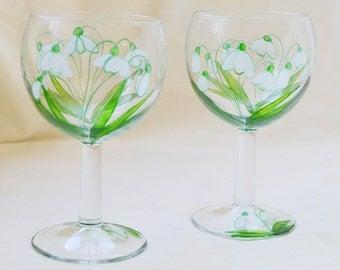 Paris small snowdrop design wine glasses, hand painted glass, set of 2, pair, glassware