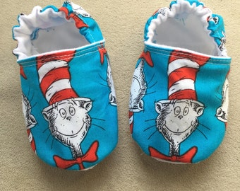 Dr Seuss baby shoes, booties, Cat in the Hat baby booties, 1st birthday party, smash cake, crib shoes, infant, slippers