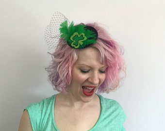 RTS Shamrock Fascinator, Green Feathers, St. Patrick's Day Fascinator, St Patrick's Day, Costume, Cosplay, Burlesque, Novelty Fascinator