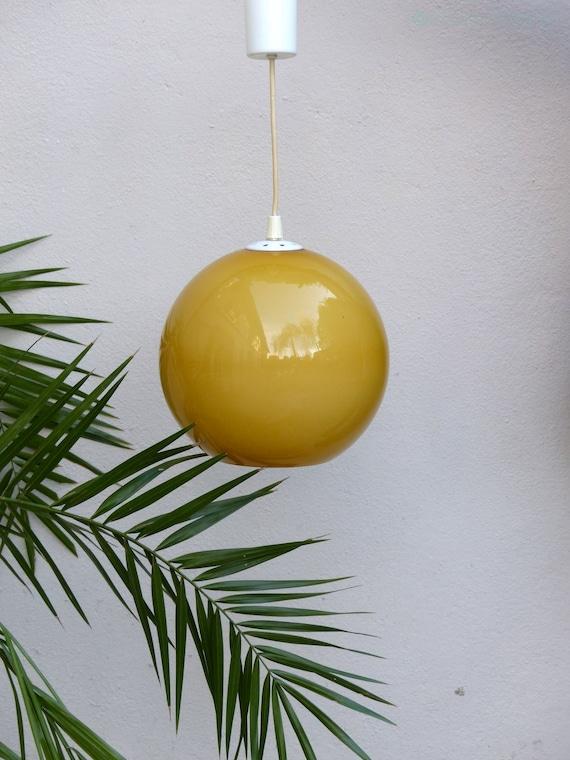 suspension boule jaune moutarde vintage mid century yellow. Black Bedroom Furniture Sets. Home Design Ideas