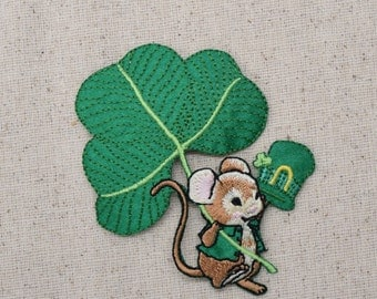 St. Patricks Day - Irish Mouse with Shamrock - Embroidered Patch - Iron on Applique - 693358A