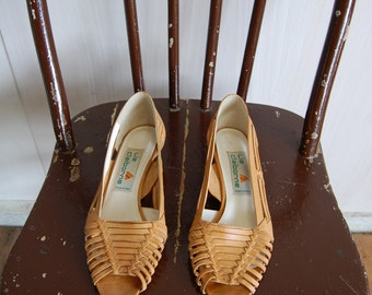 Vintage Liz Claiborne Tan Leather Sandal 7