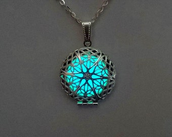 Locket - Gift For Mom - Girlfriend Gift - Aqua Frozen Glowing  Necklace - Jewelry - Glowing Pendant -  Glow in the Dark - Gifts for Her
