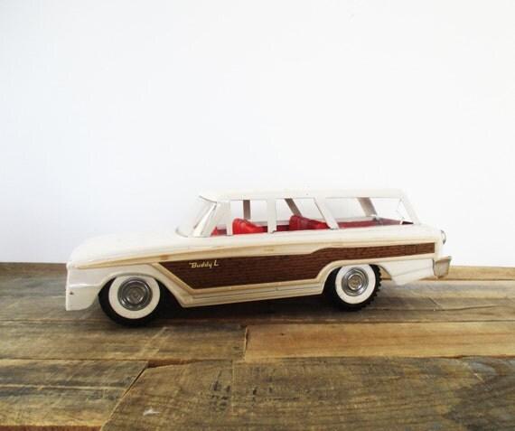 sale 1960 39 s buddy l toy station wagon wood grain panel. Black Bedroom Furniture Sets. Home Design Ideas