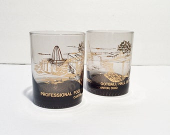 Vintage whiskey glasses, 2 Football Hall of Fame Glasses, Set of Two, Vintage Football,