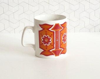 Vintage 70s Staffordshire orange and red pattern mug