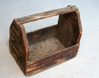 Primitive Upcycled Hunt's Box//Tool Box Made From Hunt's Crate//Crafty Caddy//Rustic Magazine Holder//Vintage Wood Tool Box