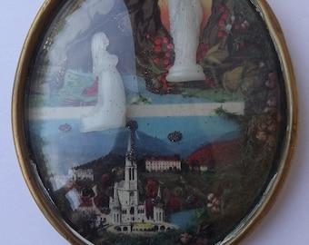 French Religious Vintage Lourdes Cave Reliquary Pendant - Bernadette Soubirous - Vintage Lourdes Souvenir - Communion Gift