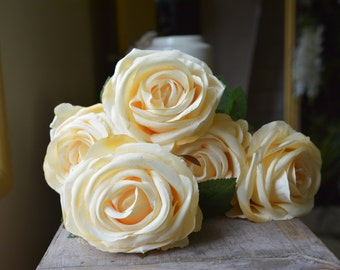 Elegant Rose Bunch in apricot -ITEM039