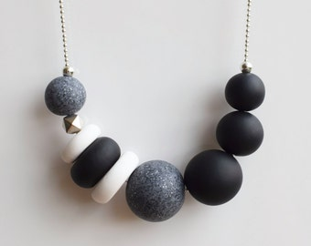 Black Chunky necklace, Modern Statement necklace, Black and White necklace, Polymer Clay jewelry, Geometric beaded necklace Minimal necklace