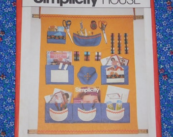 Organizer Sewing Pattern, Simplicity 121 House Patterns, 1980s, Craft Activity