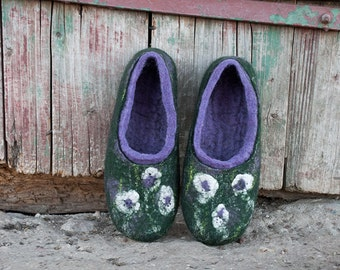 Felt slipper Organic wool slipper Forest green Lavender woman slippers Felt wool slippers VIOLA