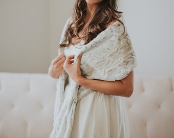 Bridesmaid Winter Shawl | Faux Fur Wedding Shrug | Bridal Fur Wrap | Bridesmaid Faux Fur Stole | Cover Up [Fairfield Fur Shawl]