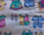 Children's Novelty Print Kid's Clothes on Clothesline Cotton Fabric 5 Yards X0427