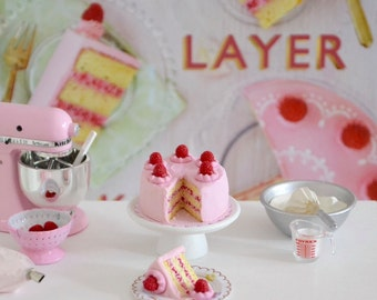 1:6 Scale Miniature *Lovely Layer Cake*   in Play Scale for Blythe Barbie Pepper Pullip Momoko Fashion Doll Kitchen or Bakery