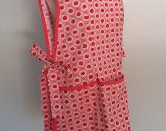 Pink Retro Apron, Cobbler Apron with Daisy Flowers, Smock, Full Coverage Apron with Pockets, Riley Blake Cottage Garden Aster, Artist Apron